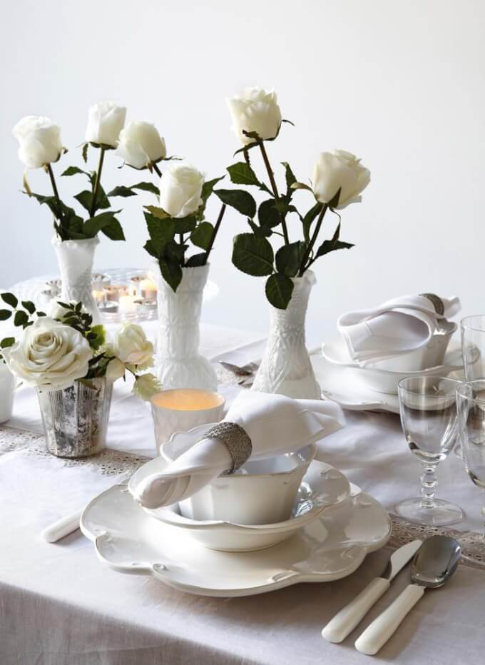 Make a romantic centerpiece with roses